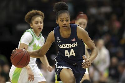 griffins-defense-providing-big-boost-for-uconn-womens-basketball