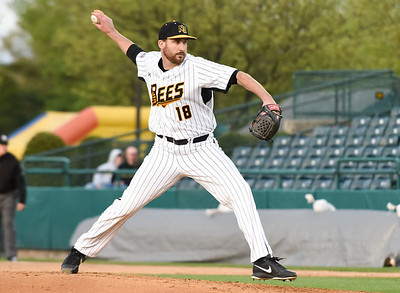 simons-complete-game-leads-new-britain-bees-to-road-win-against-somerset-patriots