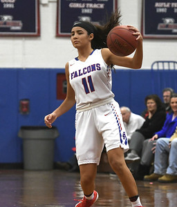 st-paul-girls-basketball-wins-season-opener-after-tightlycontested-game