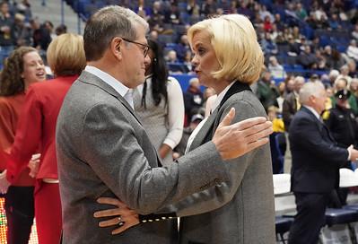 uconn-womens-basketballs-auriemma-agrees-with-mulkey-on-current-season