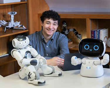 robots-assist-students-with-autism-during-summer-enrichment-program
