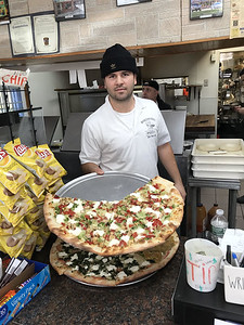 hometown-pizza-caters-to-its-customers