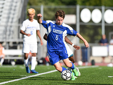 roundup-bristol-eastern-boys-soccer-unable-to-capitalize-on-secondhalf-opportunities-in-loss-to-tolland