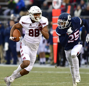 after-disastrous-2018-uconn-football-counting-on-new-leadership-approach-to-turn-defense-around