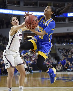 kia-nurses-defense-has-been-just-as-important-as-her-offense-for-uconn