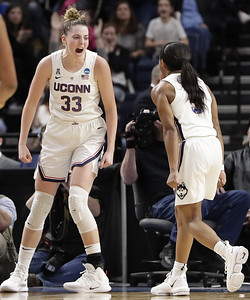 uconn-womens-basketball-survives-scare-beats-ucla-in-albany-regional-semifinals