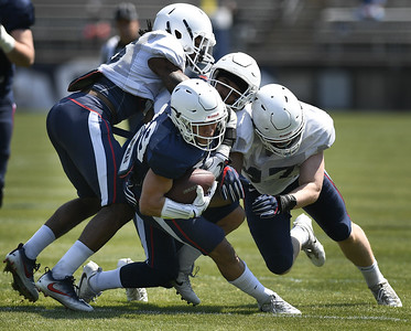 uconn-football-goes-with-full-pads-in-practice-despite-heat