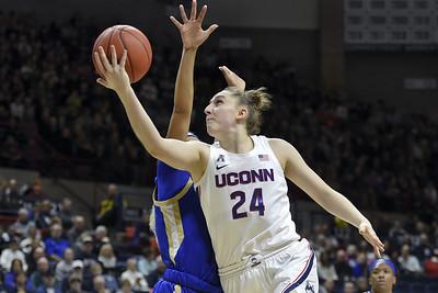 uconn-womens-basketball-needs-20yearold-sophomore-makurat-to-play-like-a-veteran