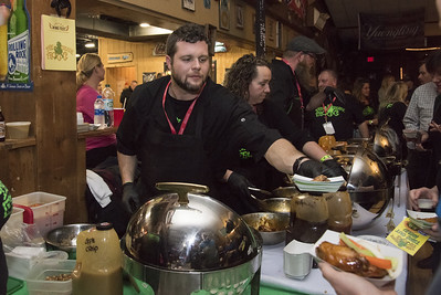 southington-restaurants-battle-it-out-at-wing-fest
