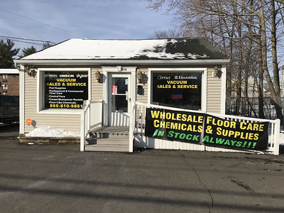 the-cleanest-solutions-celebrates-its-grand-opening-in-plainville
