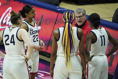 uconn-womens-basketball-set-to-play-at-tennessee-for-first-time-in-15-years