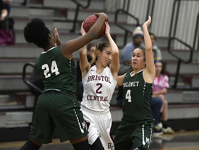 jessie-bristol-central-girls-basketball-cant-complete-fourth-quarter-comeback-in-loss-to-maloney