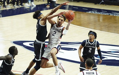 bouknight-is-uconn-mens-basketballs-best-player-but-hurley-cautions-against-sophomore-trying-to-be-superhero