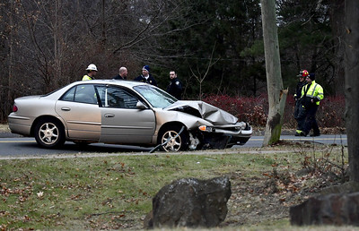 flanders-street-in-southington-expected-to-be-closed-for-hours-after-car-crashes-into-utility-pole