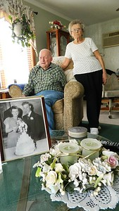 newington-couple-celebrates-70-years-together