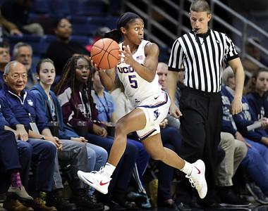 dangerfield-matches-career-high-with-10-assists-in-latest-uconn-womens-basketball-victory