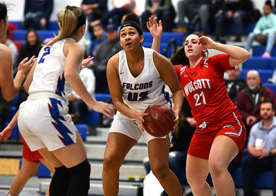 st-paul-girls-basketball-overcomes-difficult-first-half-to-beat-wolcott-for-14th-consecutive-win