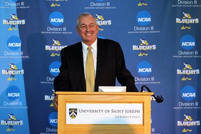 former-uconn-mens-basketball-coach-calhoun-says-he-expects-to-lead-saint-joseph-program