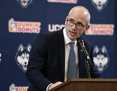 uconn-mens-basketball-head-coach-hurley-already-putting-team-to-work