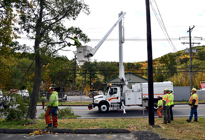 bristol-area-escapes-wind-storm-without-major-power-outages-as-thousands-across-the-state-report-power-losses