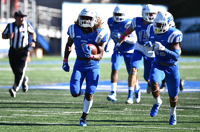 no-18-ccsu-football-rolls-past-duquesne-in-season-finale-to-win-nec-title-outright-for-second-time-in-three-seasons