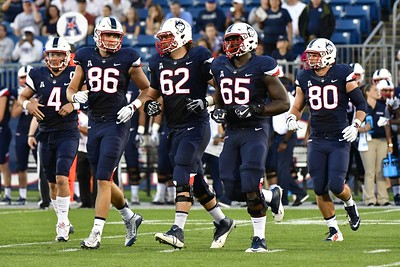 uconn-football-expecting-offensive-line-to-make-big-strides-in-upcoming-season