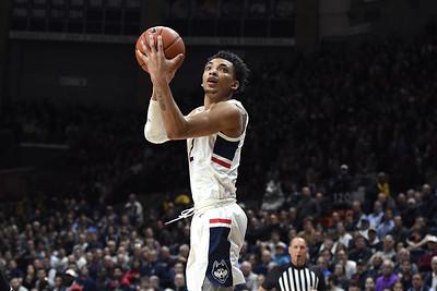 uconn-mens-basketball-confirms-bouknights-return