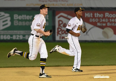 new-britain-bees-fail-to-hold-lead-lose-to-lancaster-barnstormers