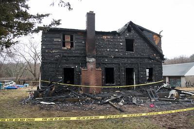 southington-family-displaced-after-overnight-house-fire