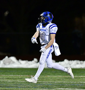 collins-touchdown-in-final-minute-completes-plainville-footballs-comeback-win-over-tolland