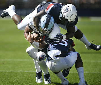 football-preview-uconns-young-defense-in-for-tough-task-against-highpowered-syracuse