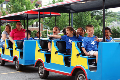 kids-learn-about-trains-transportation-at-railroad-day