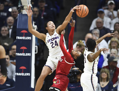 uconn-womens-basketball-uses-early-run-to-top-no-4-louisville