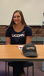 southingtons-biscoglio-will-compete-in-pole-vault-for-uconn-womens-track-team