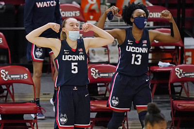 williams-leads-no-1-uconn-womens-basketball-to-rout-of-st-johns