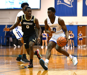 ccsu-mens-basketball-seeing-valuable-growth-from-young-core-after-rough-start-to-season
