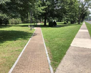 memorial-boulevardthe-parks-commemorative-side