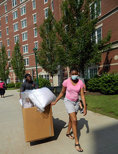 im-really-looking-forward-to-coming-back-ccsu-students-return-to-campus-excited-for-whats-ahead-even-in-pandemic