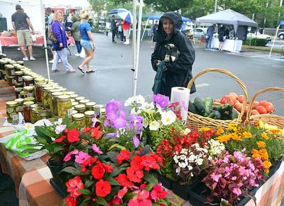 bristol-farmers-market-vendors-enjoy-a-brisk-opening-day