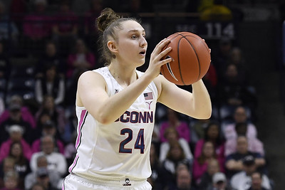 uconn-womens-basketball-stays-in-top-five-despite-loss-to-oregon