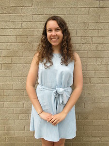 salutatorian-to-help-others-after-studying-biology-at-uconn