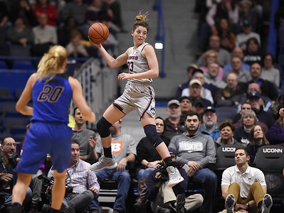 deep-pass-a-highlight-as-samuelson-hits-milestones-in-uconn-womens-basketball-rout