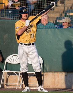new-britain-bees-take-big-early-lead-hold-on-to-defeat-lancaster-barnstormers
