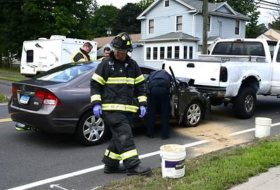 bristol-car-accident-sends-2-to-hospital