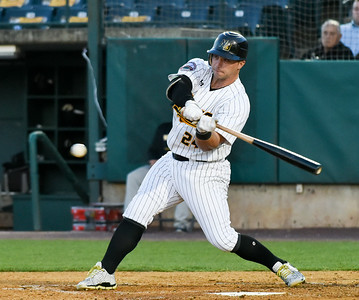 new-britain-bees-offense-struggles-against-sugar-land-skeeters-pitcher-talbot