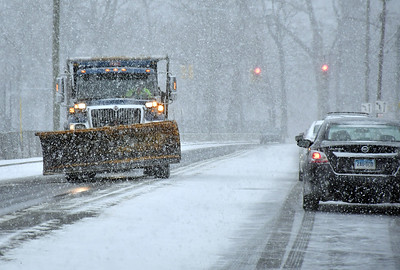about-4-inches-of-snow-hit-towns-surrouding-bristol-several-accidents-reported-throughout-day