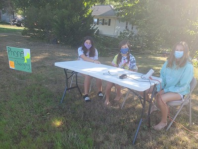 southington-teen-trio-sets-up-charging-station-to-help-people-without-electricity-charge-phones