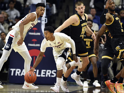 backcourt-leads-uconn-mens-basketball-past-wichita-state