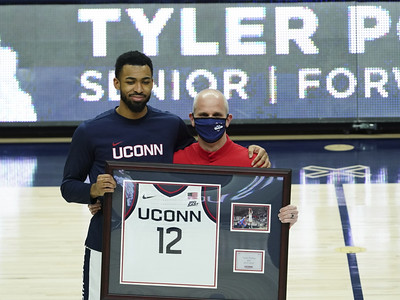 polley-to-explore-pro-options-but-plans-to-return-to-uconn