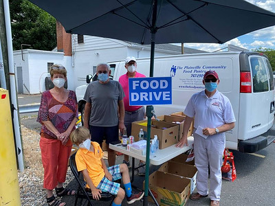 local-legislators-organize-food-drive-for-plainville-pantry-hundreds-of-pounds-collected